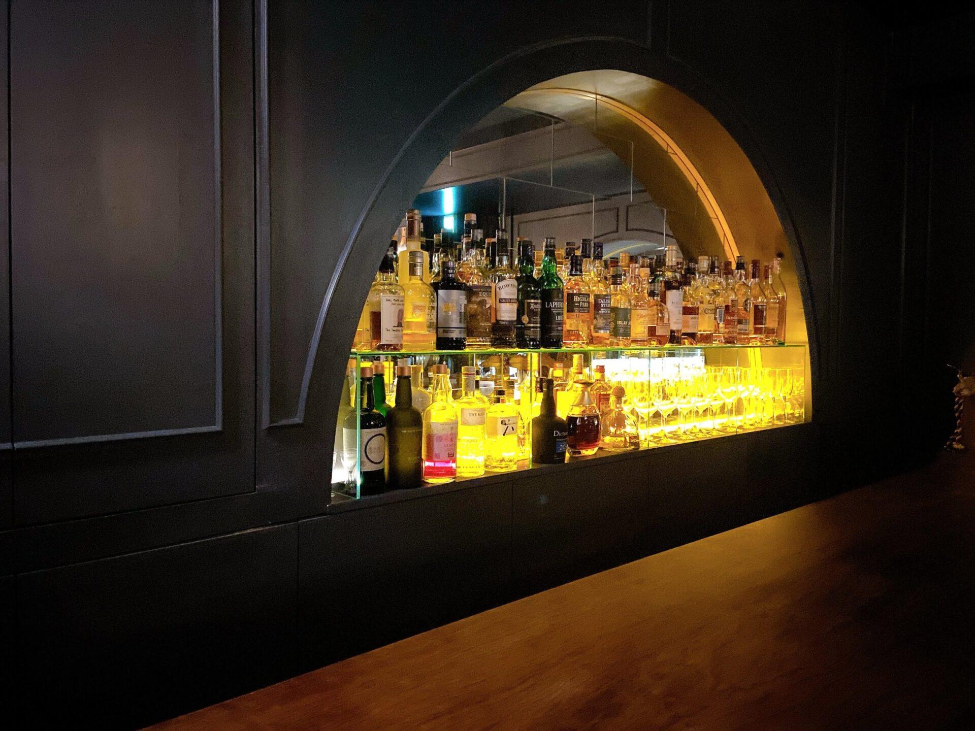 Bar take five テイクファイブ 内装