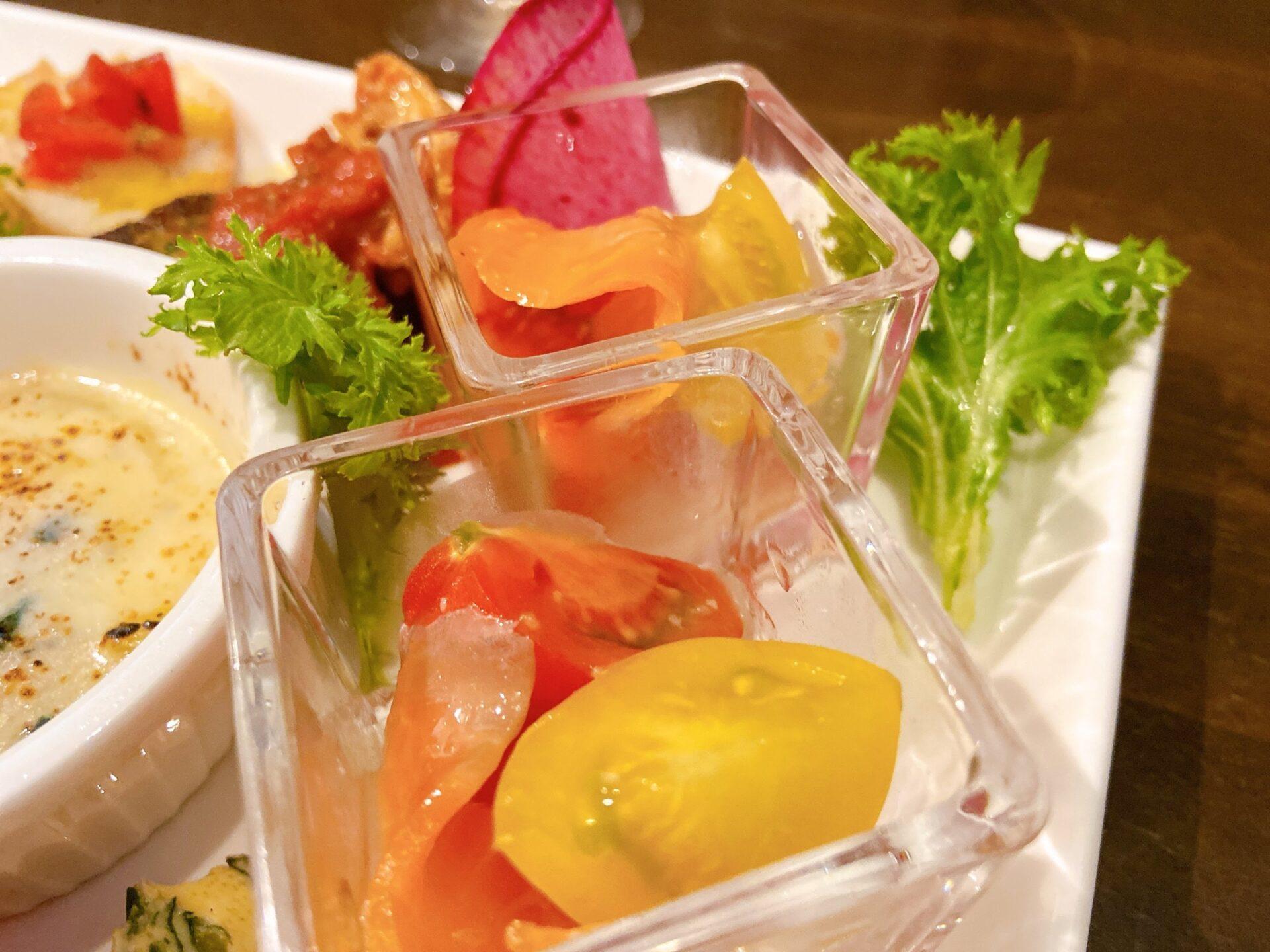 Emisai スマイルトマトとサーモンのカルパッチョ
