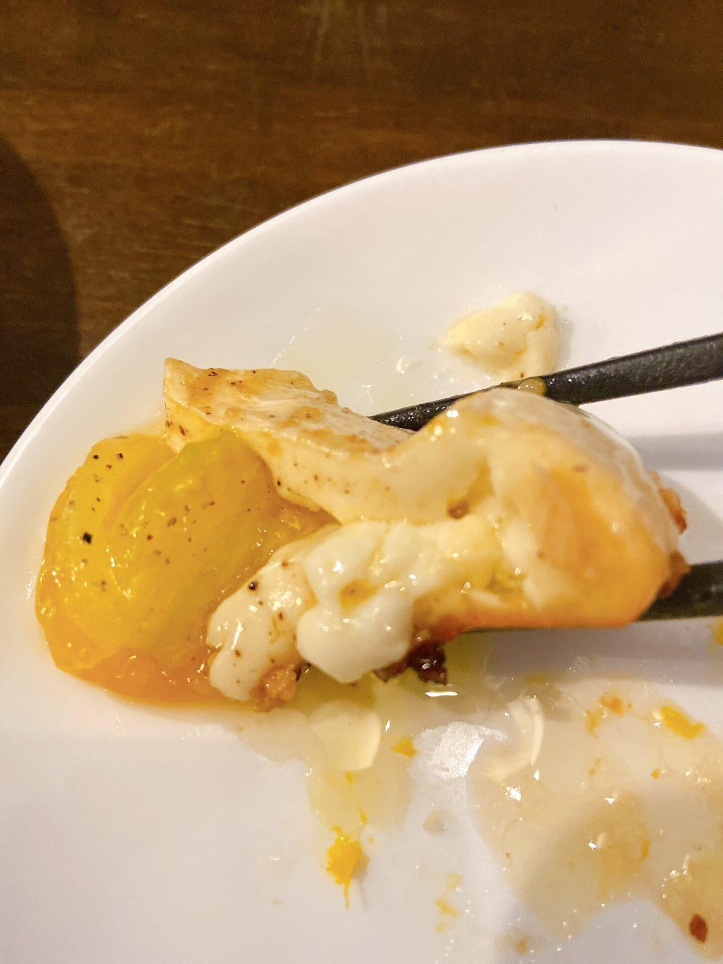 Emisaiのカマンベールチーズのアヒージョ