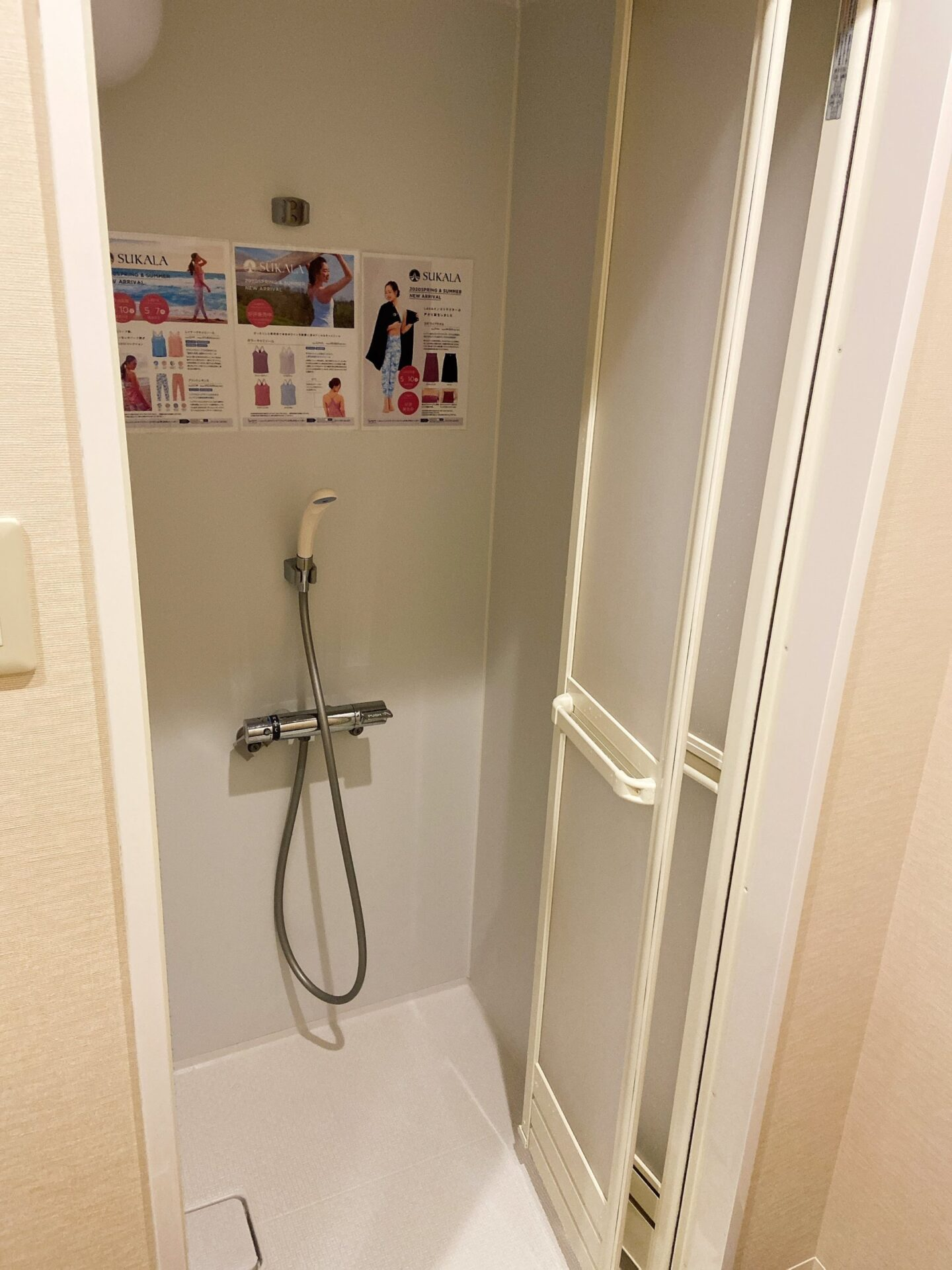 LAVA シャワー
