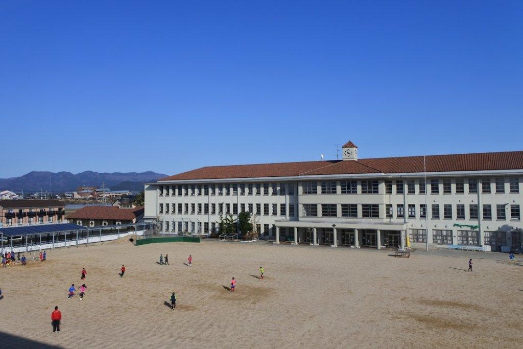 豊郷小学校グラウンド